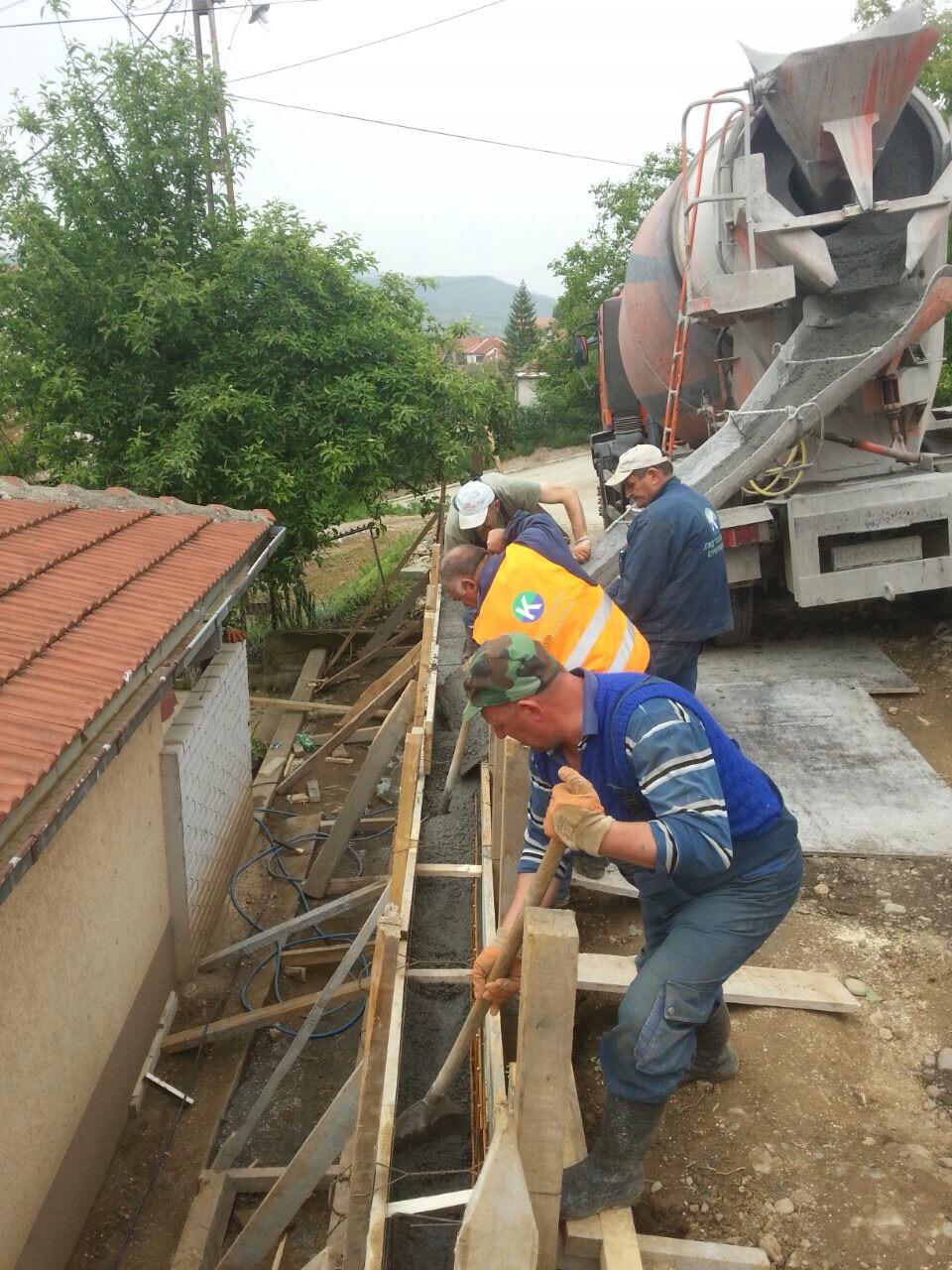 """Radnici JPKD """"Toplica"""" izvode radove u ulici Bože Jordanovića-1"""